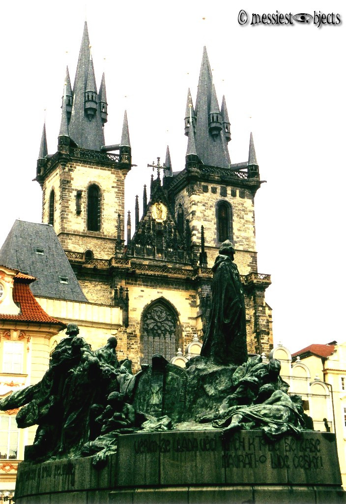 Church of Our Lady of Tyn & Statue