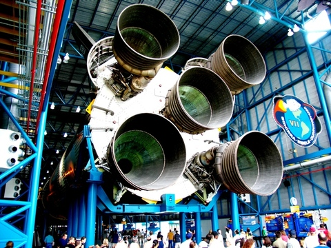 Kennedy_space_center_24_apollosatur