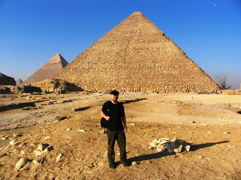 Giza11_all_3_great_pyramids_me_1