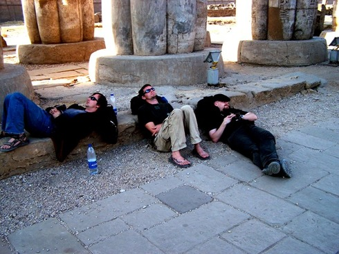 Nap_in_luxor