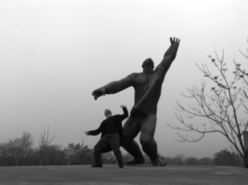 Statue_park20_blurry_doppelganger_1