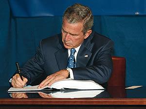 Bush_signing_1